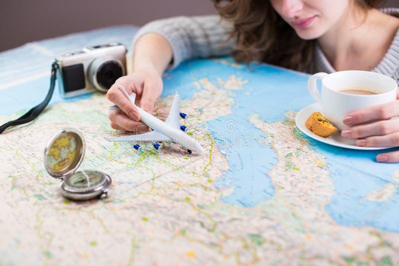 Перерыв на чашку кофе Globetrotter Перемещение, каникулы отключения, туризм стоковые изображения rf