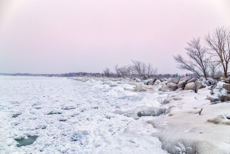 Перерыв шторма на гаван Dalhousie предусматриванном во льду и снеге в winte стоковая фотография rf