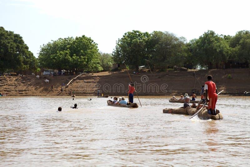 Пересекать реку стоковая фотография rf