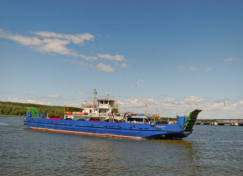 Пересекая curonian лагуна стоковое фото rf