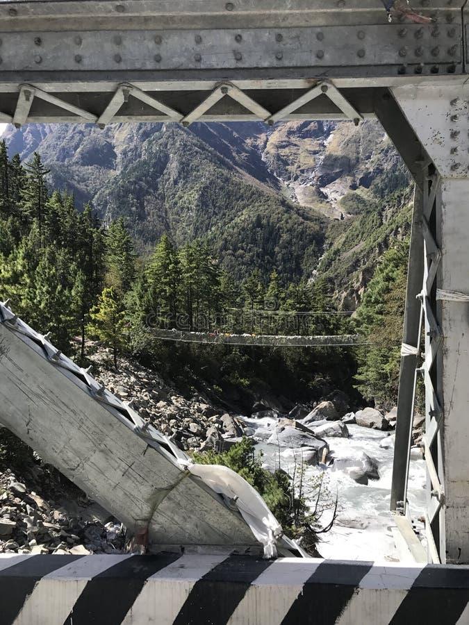 пересеченный мост стоковое изображение rf