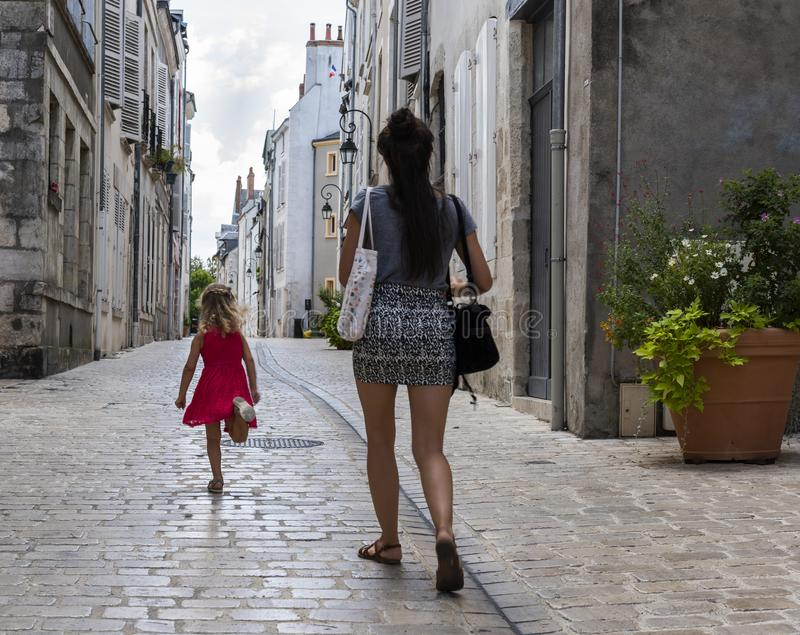 Переулок Орлеан женщины и ребенка стоковая фотография