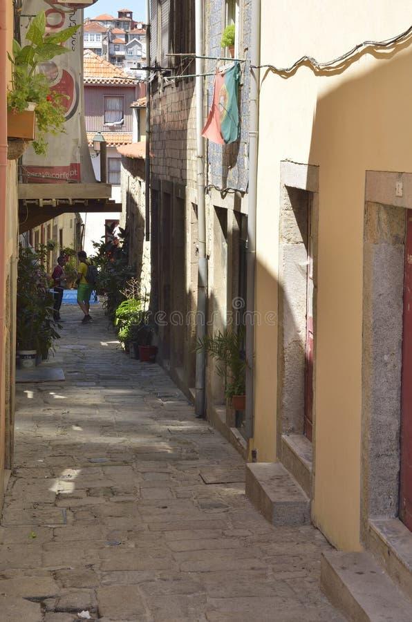 Переулок в старом Порту стоковые фотографии rf