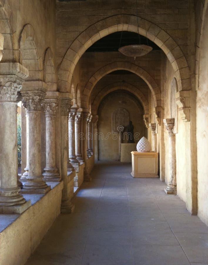 Переулок замка стоковая фотография rf