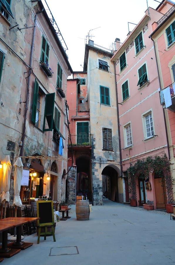 Переулок конематки al Monterosso, Cinque Terre, Ла Spez стоковые изображения