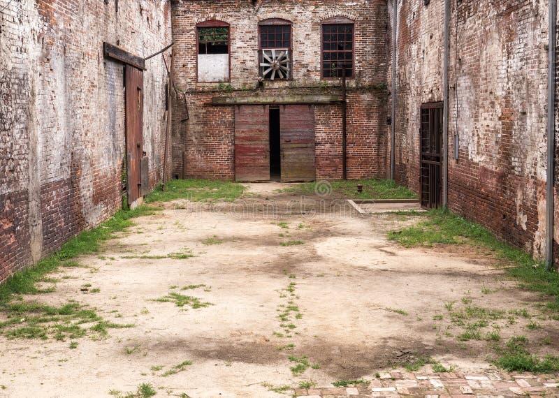 Переулок Grunge стоковое изображение