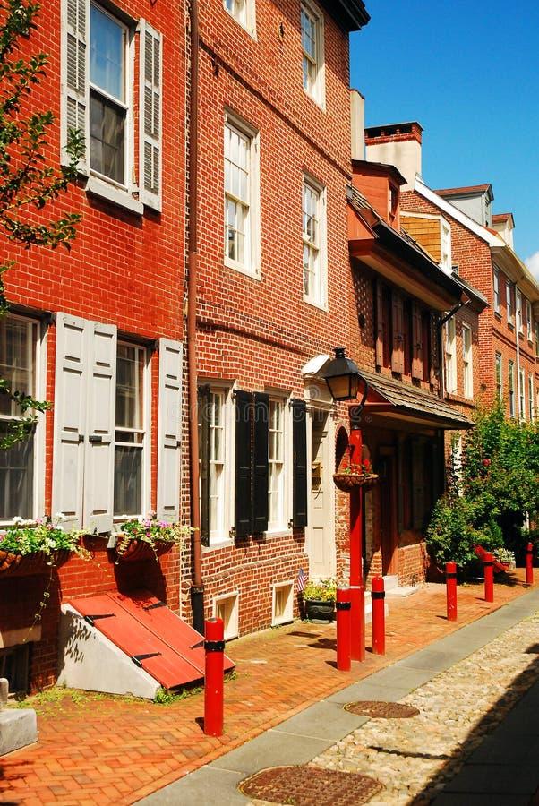 Переулок ` s Elfreth, самая старая улица в Америке стоковые фото