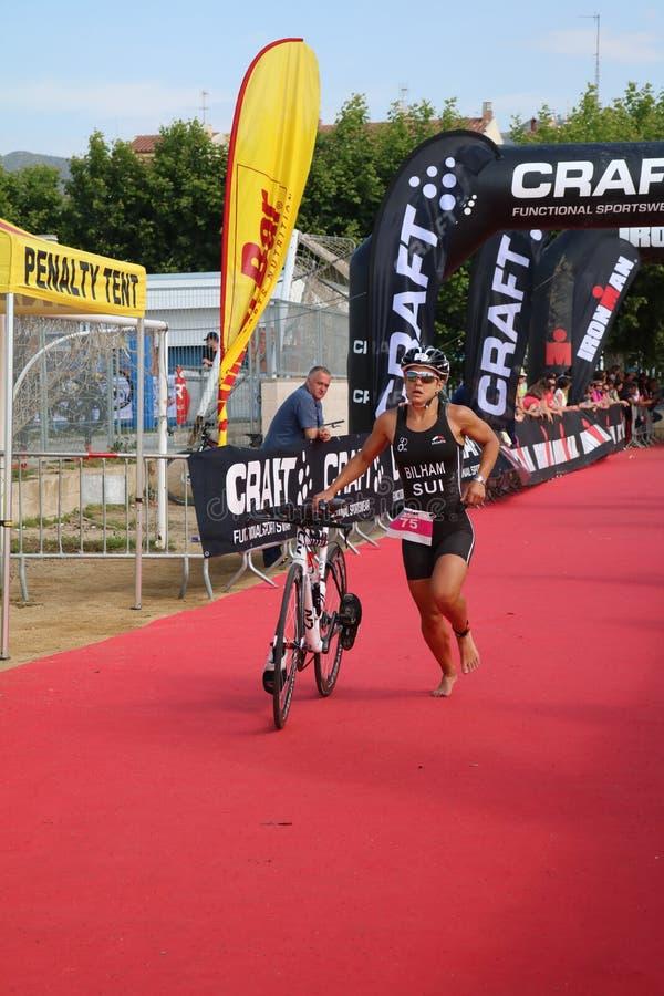 Переход велотренажера спорта triathlete триатлона здоровый стоковые фото