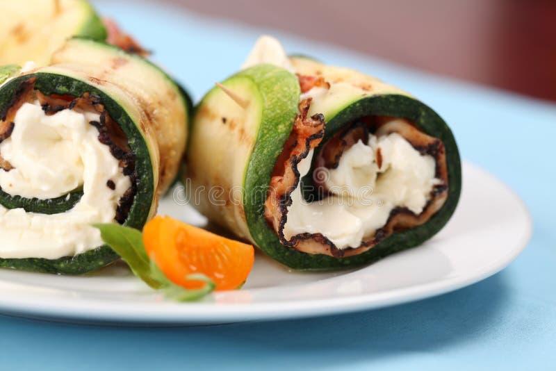 перец сыра бекона свертывает zucchini стоковые изображения rf