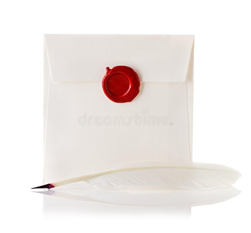 Download Перешлите конверт или письмо загерметизированные с штемпелем уплотнения воска и ручкой Quill Стоковое Изображение - изображение насчитывающей пер, антиквариаты: 40590937