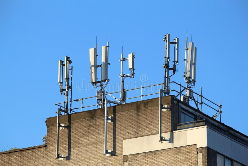 Передатчики мобильного телефона стоковая фотография