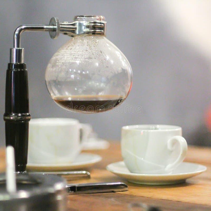Переливать методы заваривать кофе стоковое фото