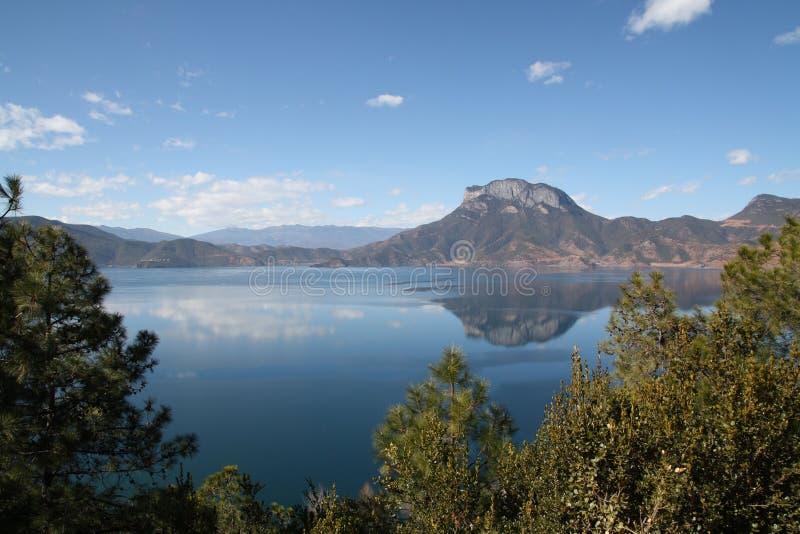 перла Тибет озера стоковая фотография