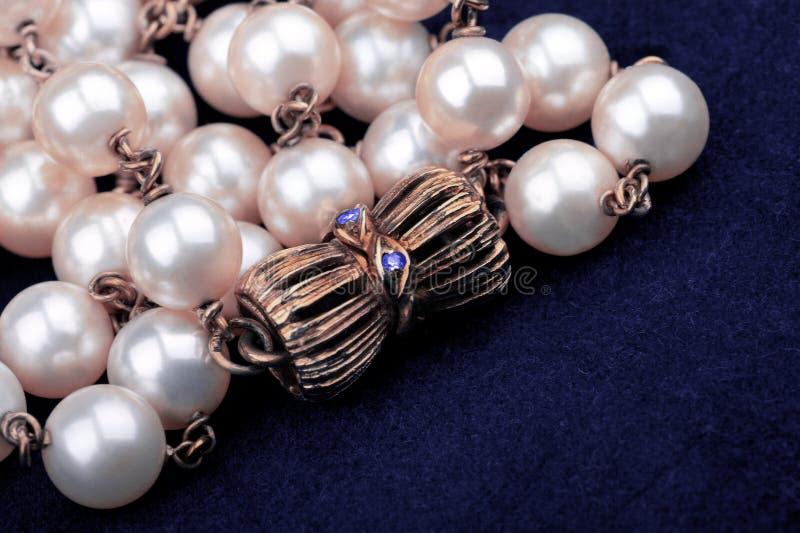 перлы ожерелья крупного плана стоковая фотография rf