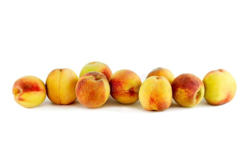 Персики в корзине стоковое изображение rf