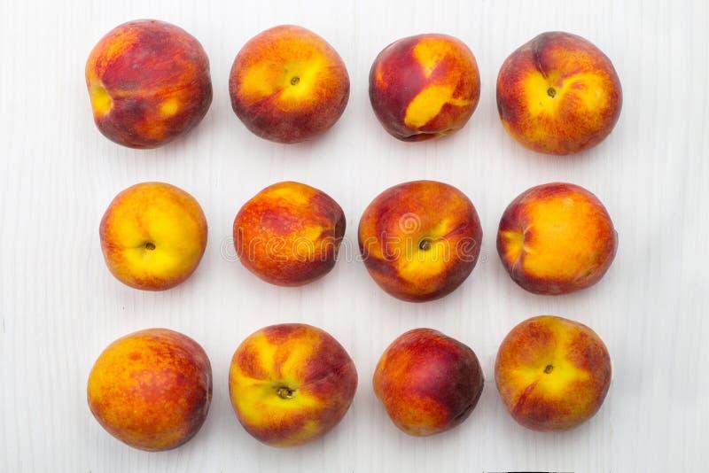 персики зрелые стоковое изображение
