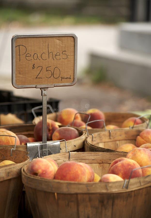 персики s рынка хуторянина стоковые изображения rf