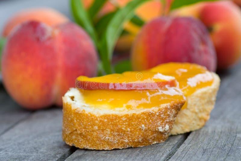 персик варенья завтрака стоковая фотография