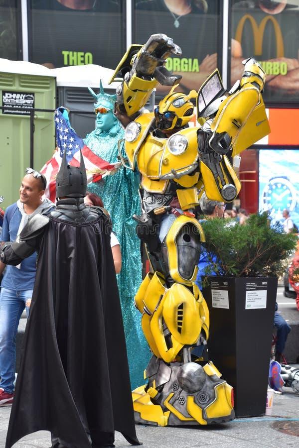 Персонажи-костюмы на Таймс Сквер, Манхэттен, Нью-Йорк стоковое изображение