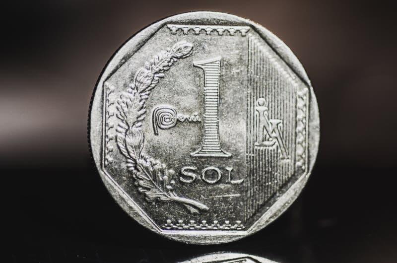 1 перуанская монетка sol nuevo стоковая фотография rf