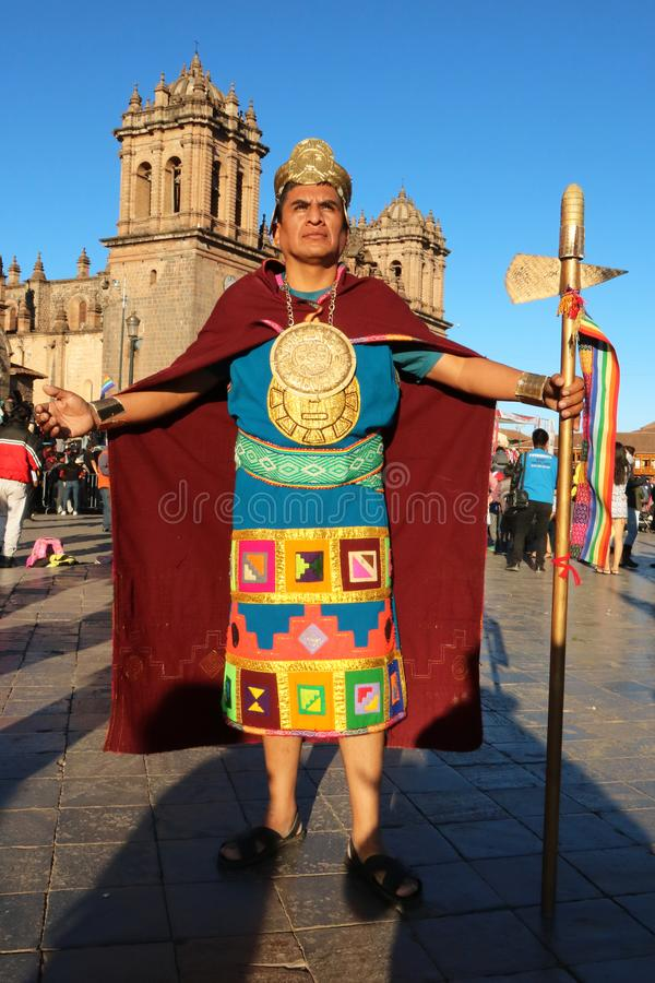 Перуанская танцовщица, одетая как инка, на ежегодном фестивале Fiesta del Cusco, 2019 стоковые фотографии rf