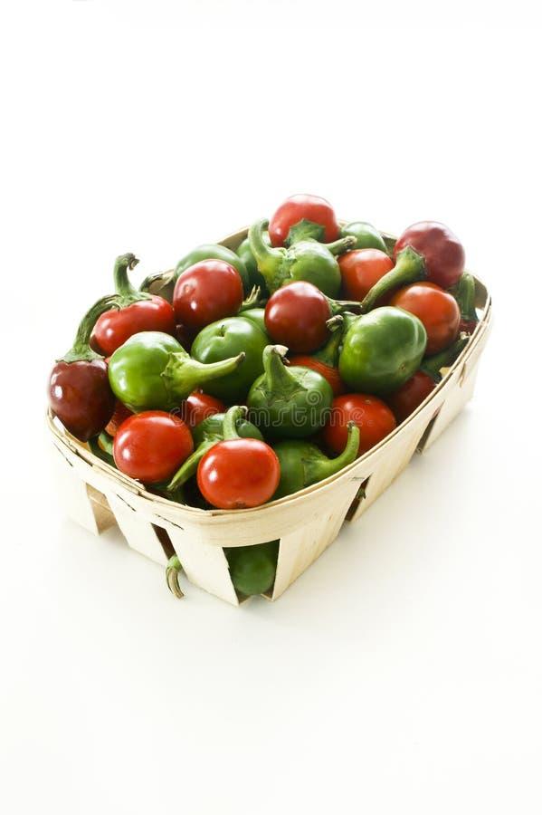 перцы вишни зеленые красные стоковое фото