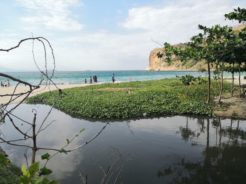 Пески между водой стоковые изображения rf