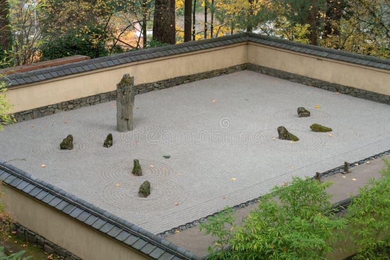 Песок и каменный сад стоковая фотография