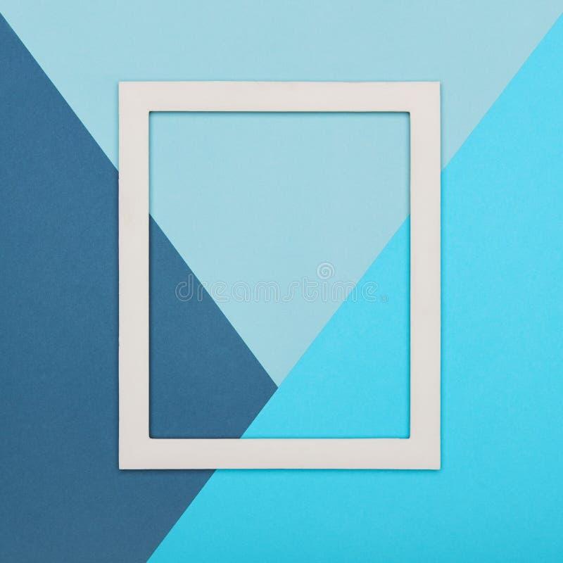 Пестротканая бумажная предпосылка минимализма текстуры Минимальные геометрические формы и линии состав с пустой картинной рамкой стоковая фотография