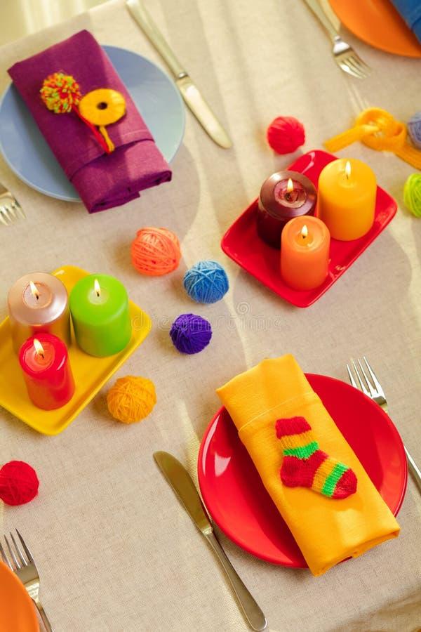 Пестротканые плиты и салфетки белья со связанным оформлением таблица стоковые фото