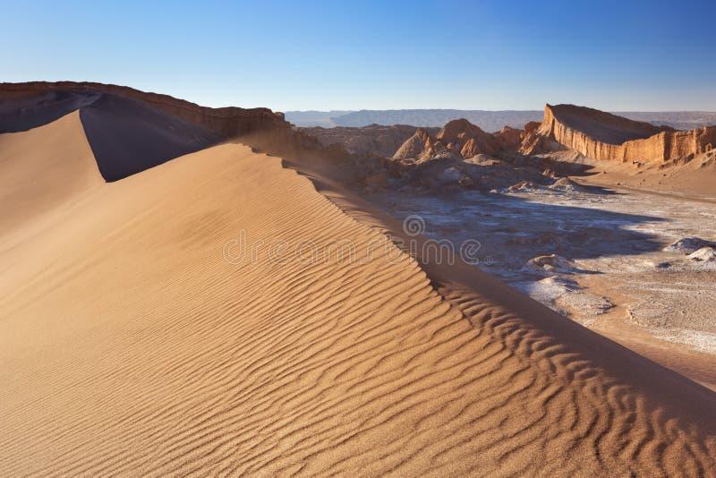 Песчанная дюна в Ла луне Valle de, пустыне Atacama, Чили стоковое изображение