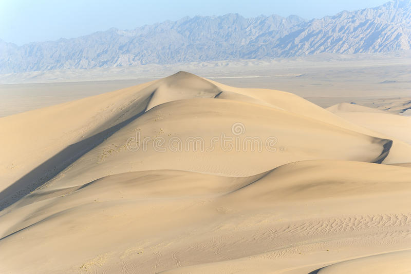 Песчанные дюны в Дуньхуане стоковое изображение rf