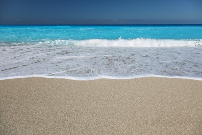 Песчаный пляж на острове лефкас, Греции стоковое фото