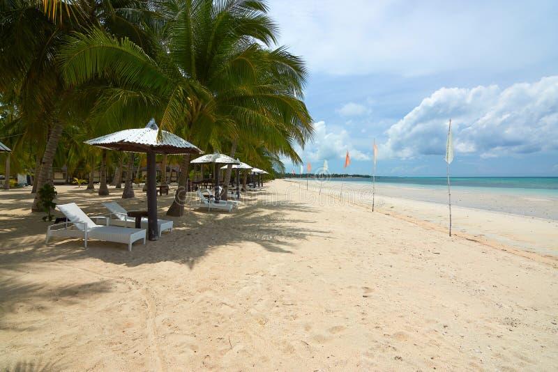 Песчаный пляж на острове Bantayan, Филиппинах стоковое фото rf