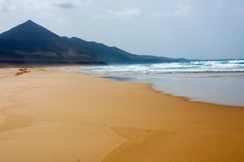 Песчаный пляж Cofete стоковое изображение