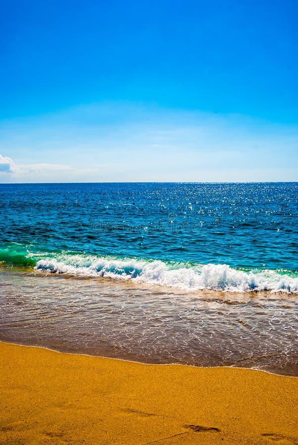 Песчаный пляж и море стоковое фото rf
