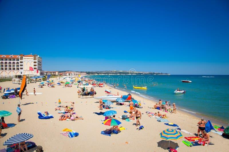 Песчаный пляж Byala красивый на Чёрном море в Болгарии. стоковое изображение