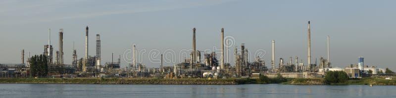 Петрохимический рафинадный завод в Botlek, Роттердаме стоковая фотография rf