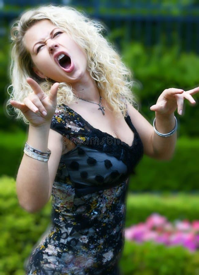 петь девушки стоковое фото rf