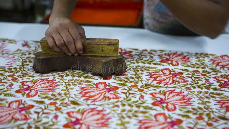 Печатание блока для ткани в Индии Печатание блока Tradi Джайпура стоковая фотография