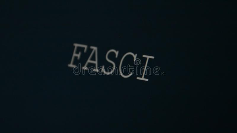 Печатая фашизм слова сток-видео