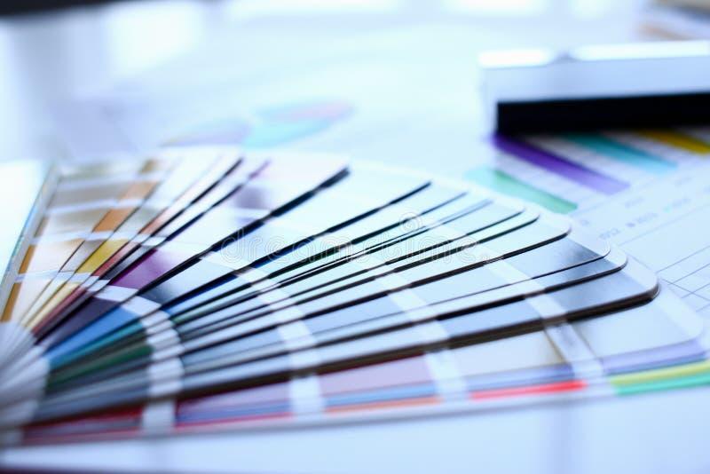Печать цвета возмещенных статистик pantone стоковое изображение rf