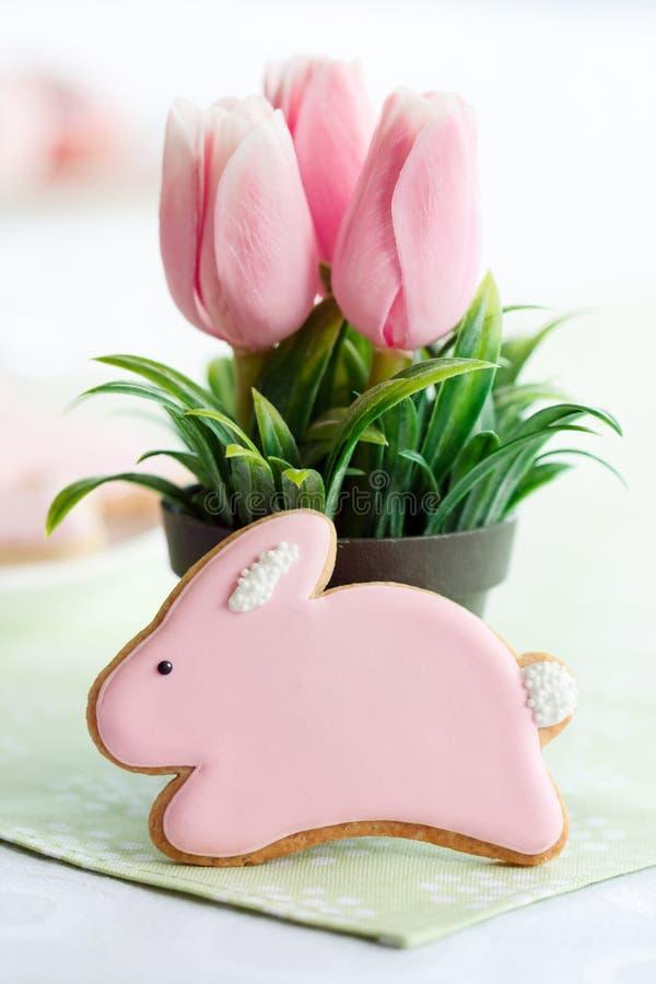 печенье пасха зайчика стоковое изображение rf