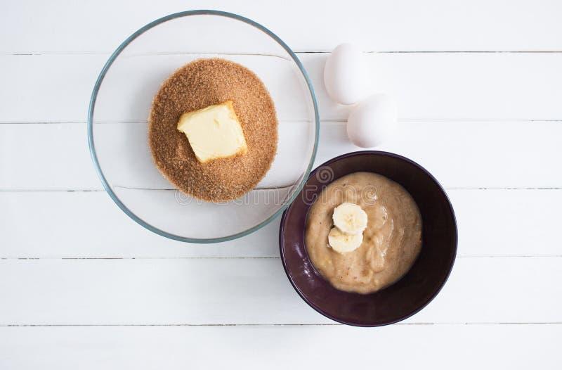 Печенье яичка масла тростникового сахара стеклянное стоковое изображение rf