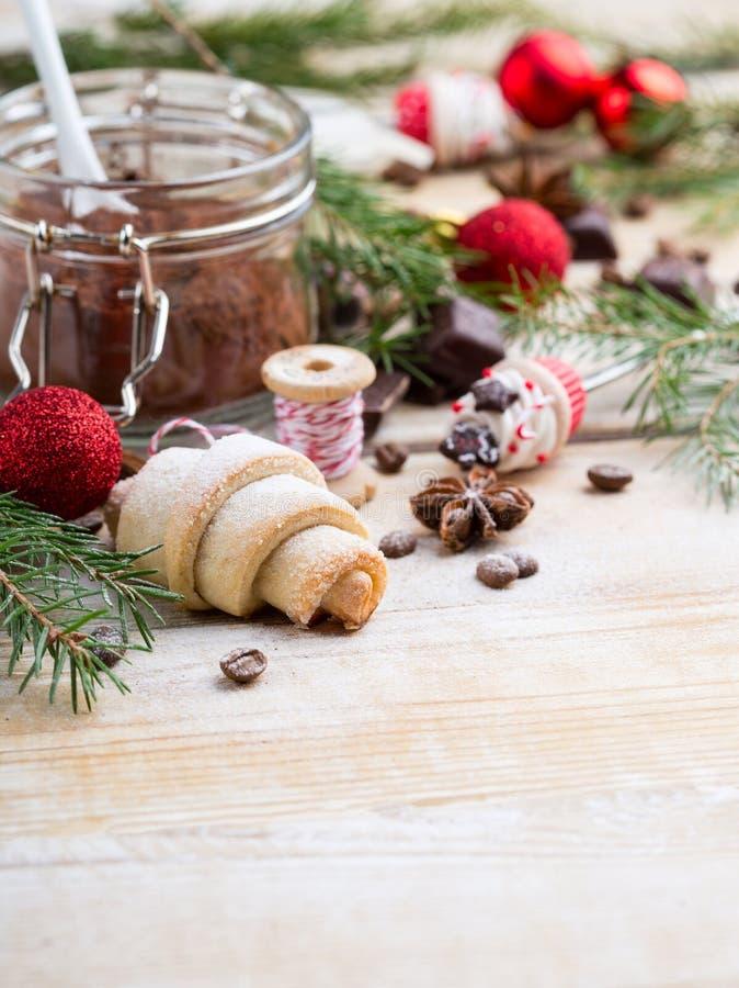 Печенье rugelah рождества взбрызнутое с порошком сахара стоковое фото rf