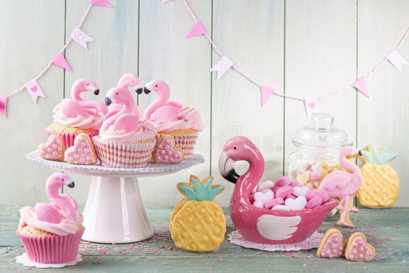 Печенья ананаса фламинго стоковая фотография rf