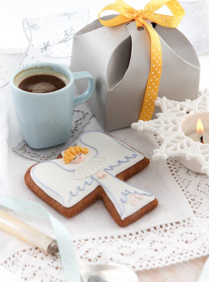 Печенья ангела рождества на белой предпосылке стоковые фото
