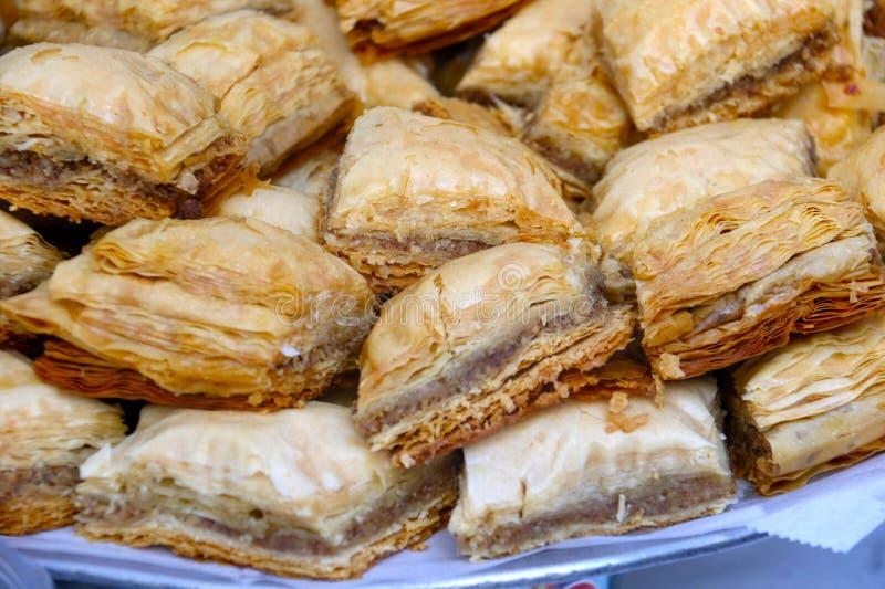 Печенья бахлавы на подносе стоковое изображение rf