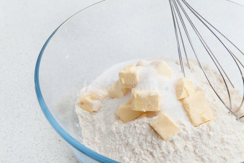 печенья выпечки самонаводят стоковое изображение