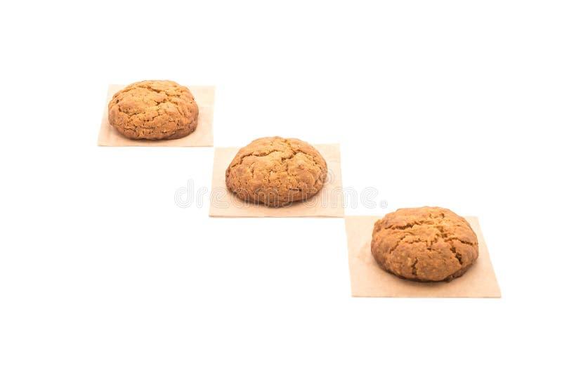 Печенья изюминки овсяной каши на белизне стоковая фотография rf